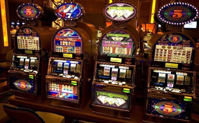 Top Sloti приглашает поиграть в игровые автоматы на реальные деньги с выводом средств в считанные