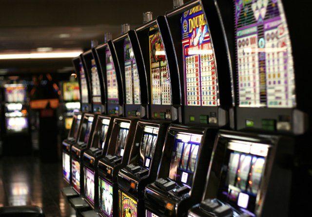 Бездепозитный бонус в 5000 р от казино Вулкан Неон