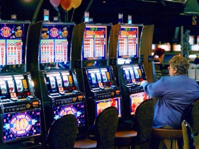 Легкие выигрыши и большие бонусы в игровом автомате Резидент